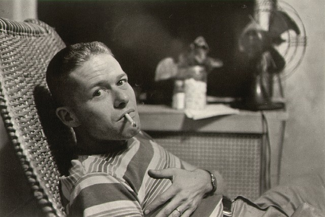 Garry Winogrand, photographié par son ami Lee Friedlander en 1957.